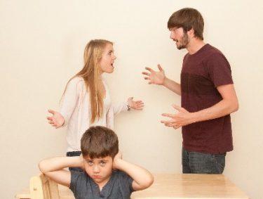 産後、夫にイライラするのはなぜ?