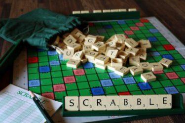 SCRABBLE (スクラブル) で遊ぼう