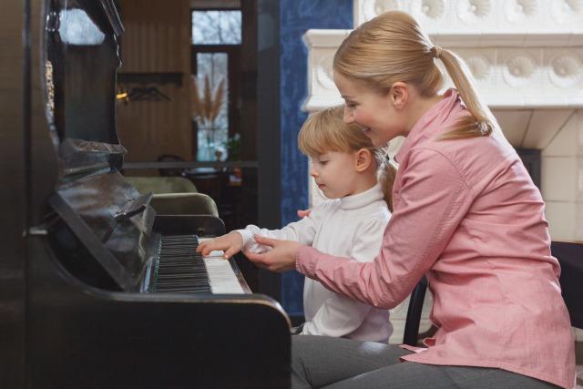 子供が英語でピアノを弾くメリット